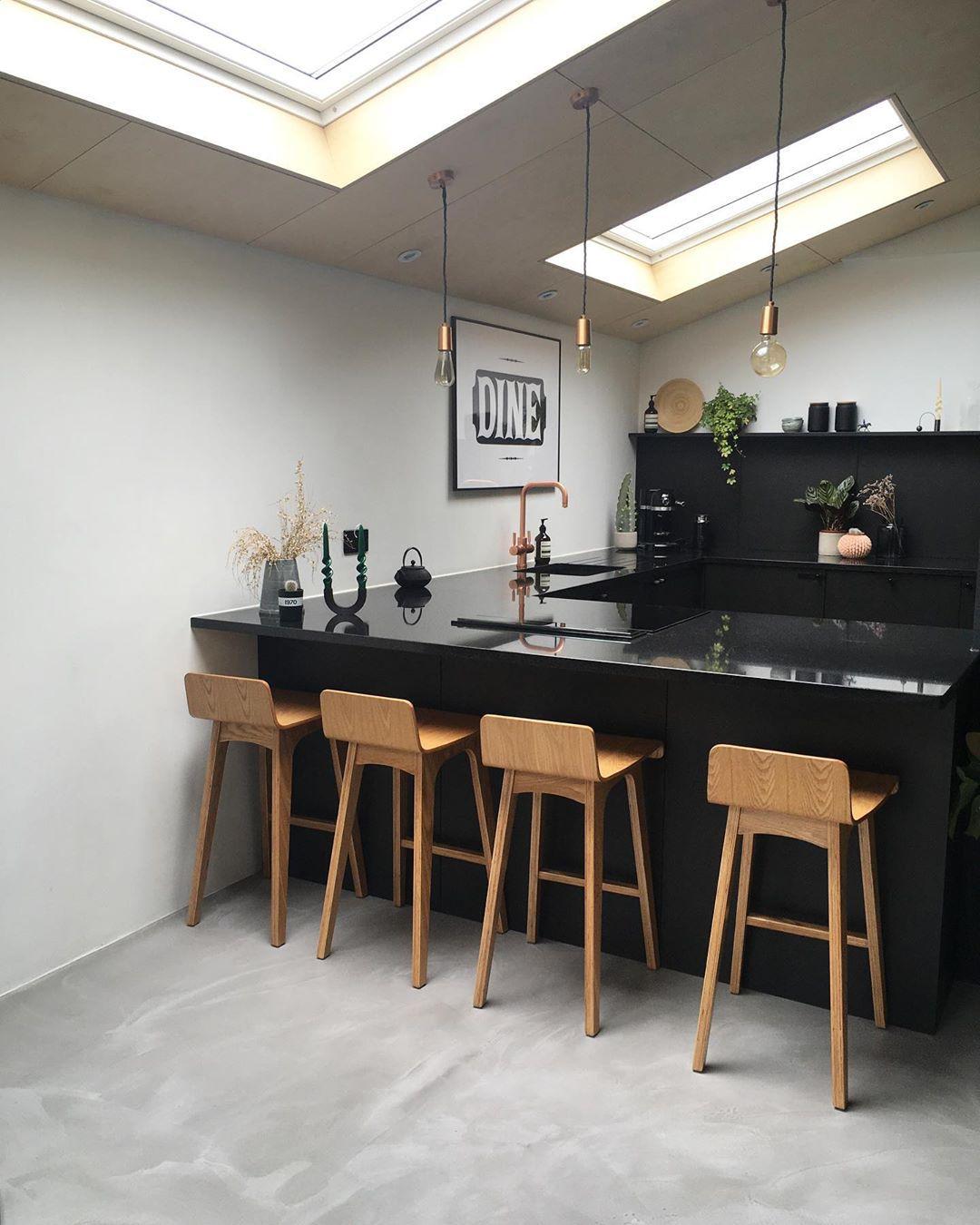 Black breakfast bar