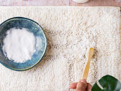 using baking soda paste on a rug