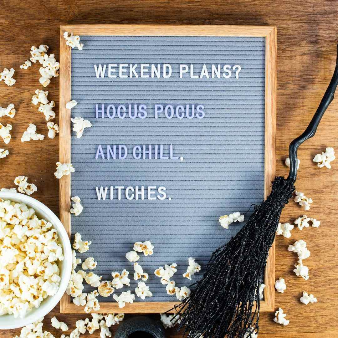 Cita del pizarrón: Lo único que se enciende este fin de semana es mi vela perfumada de calabaza