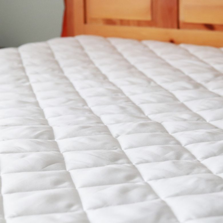 Hannah Kay Hypoallergenic Stretch-to-Fit Mattress Pad