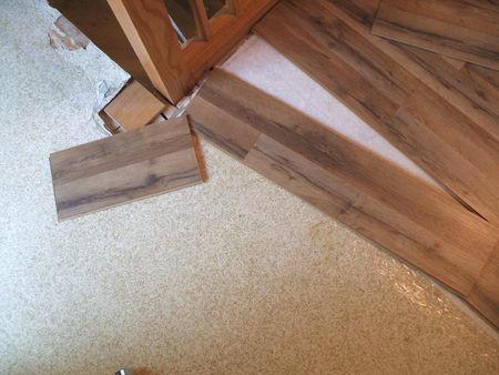 Lay Laminate Floor - Cut Piece Moves to Next Row