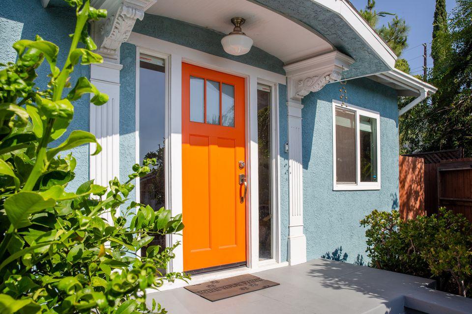 bold front door
