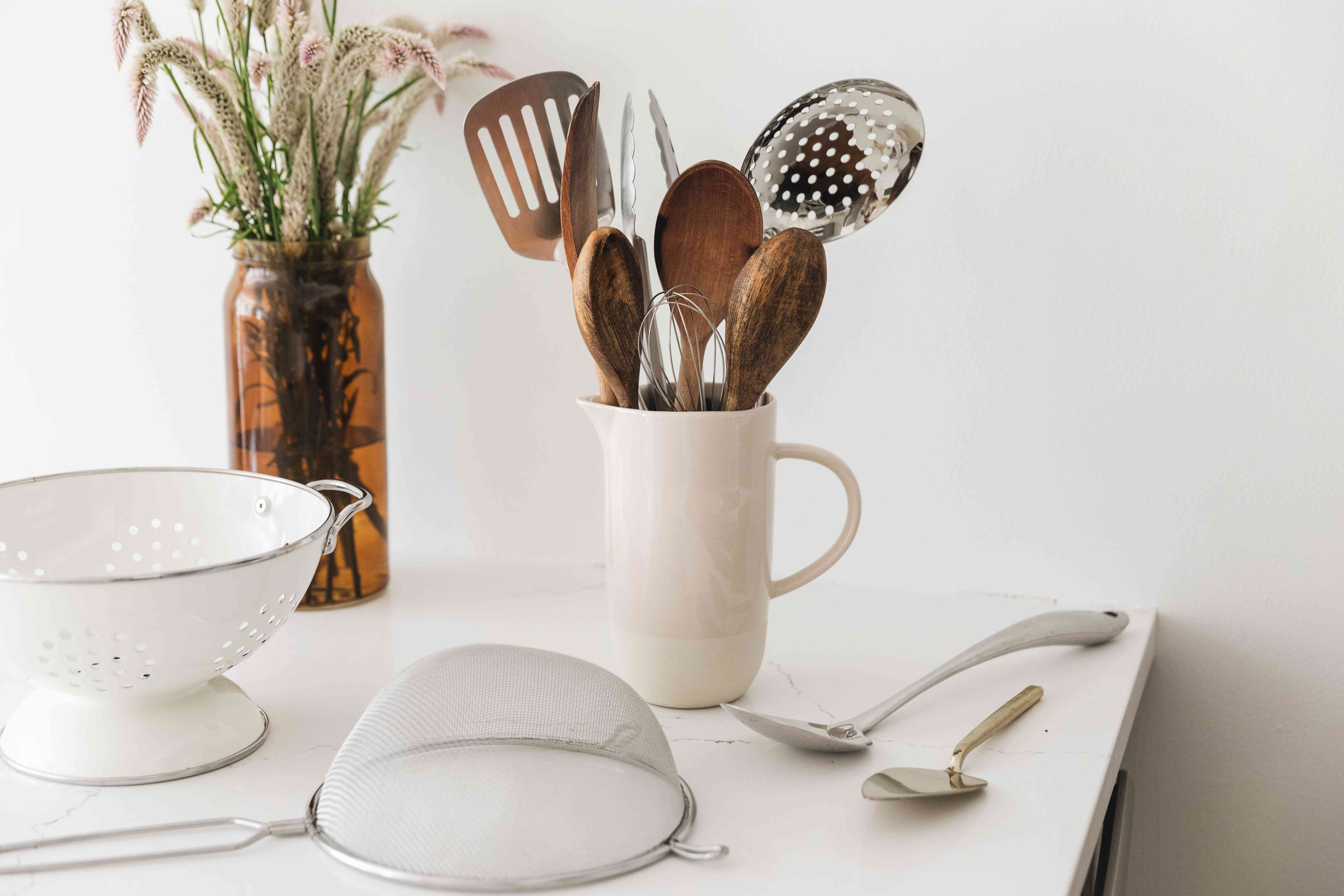 utensils and kitchen tools