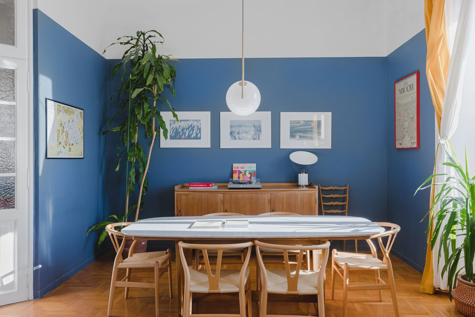 wishbone chairs around a dining room table