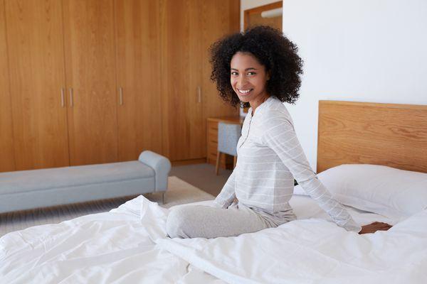 woman-on-mattress