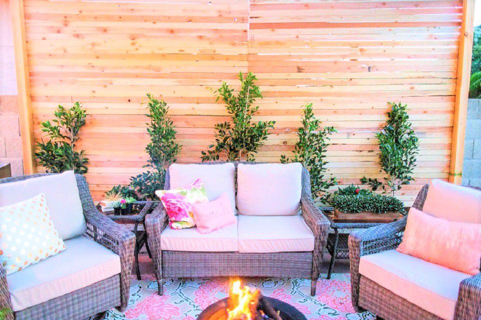 Backyard Brick Wall Makeover - Después