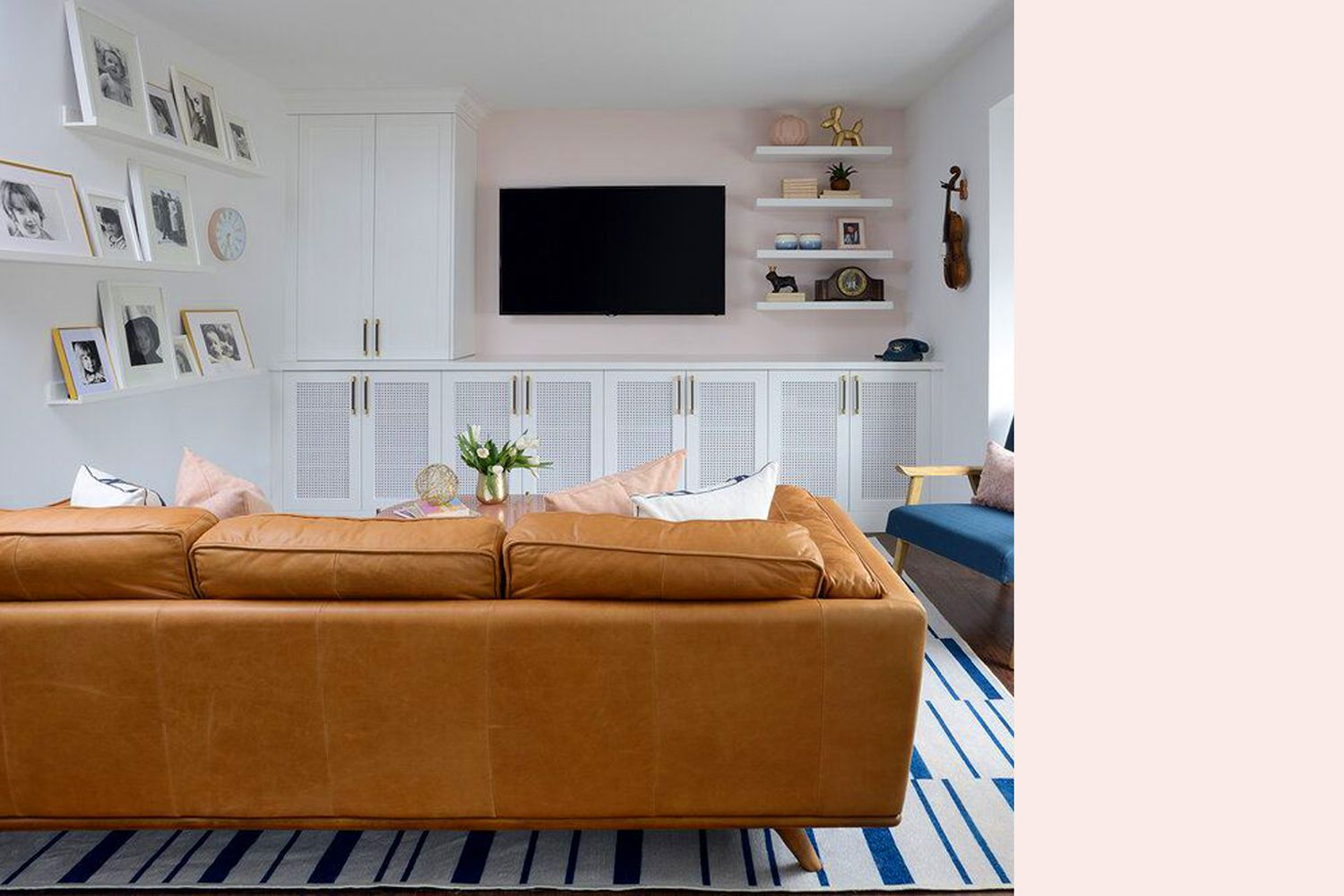 Interior with an accent wall similar to Light Quartz by Benjamin Moore