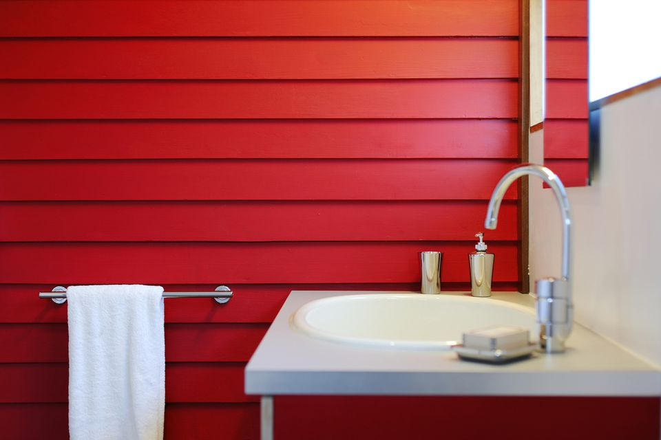 Red bathroom interior ideas