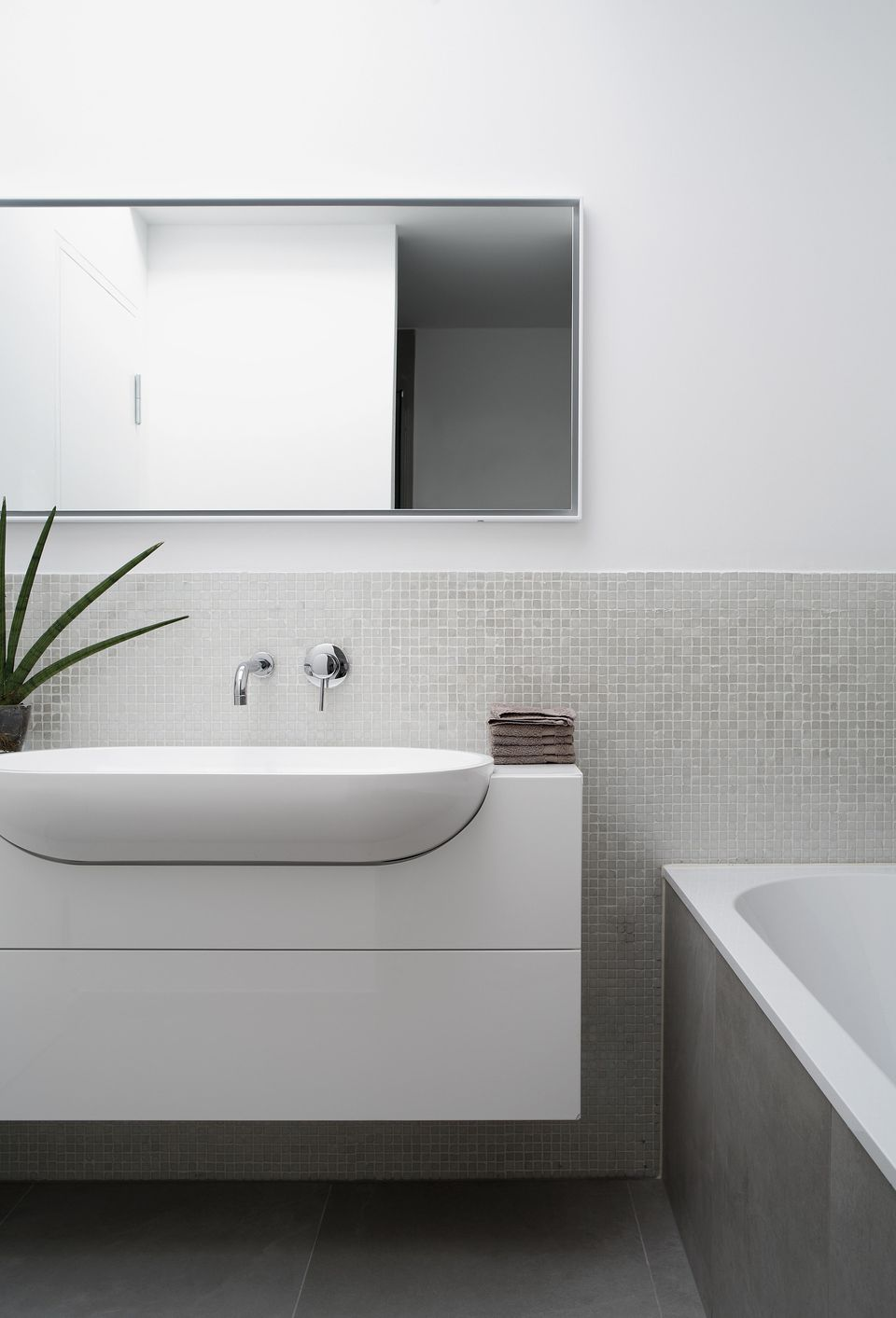 Ways To Cut Your Bathroom Renovation Costs - What's the average price to remodel a bathroom