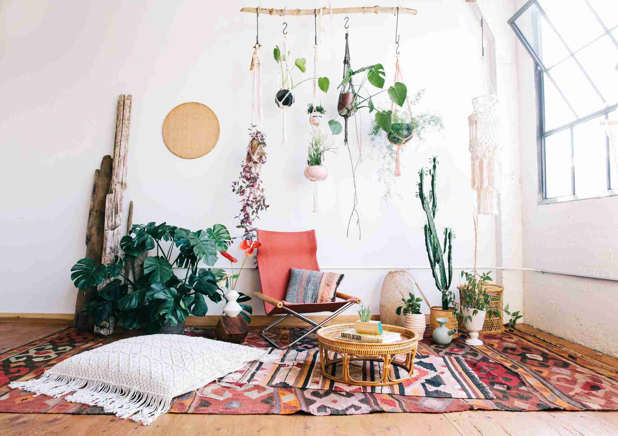 Room with macrame
