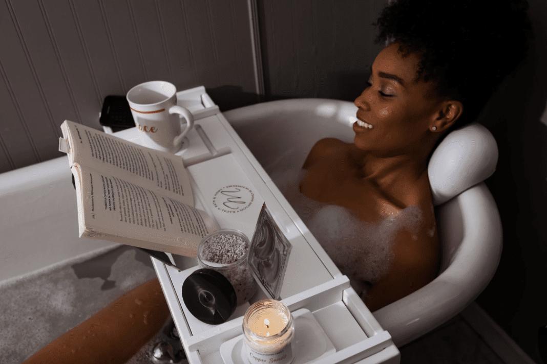 Macklin Bath & Home Bamboo Tray and Bath Pillow Combo