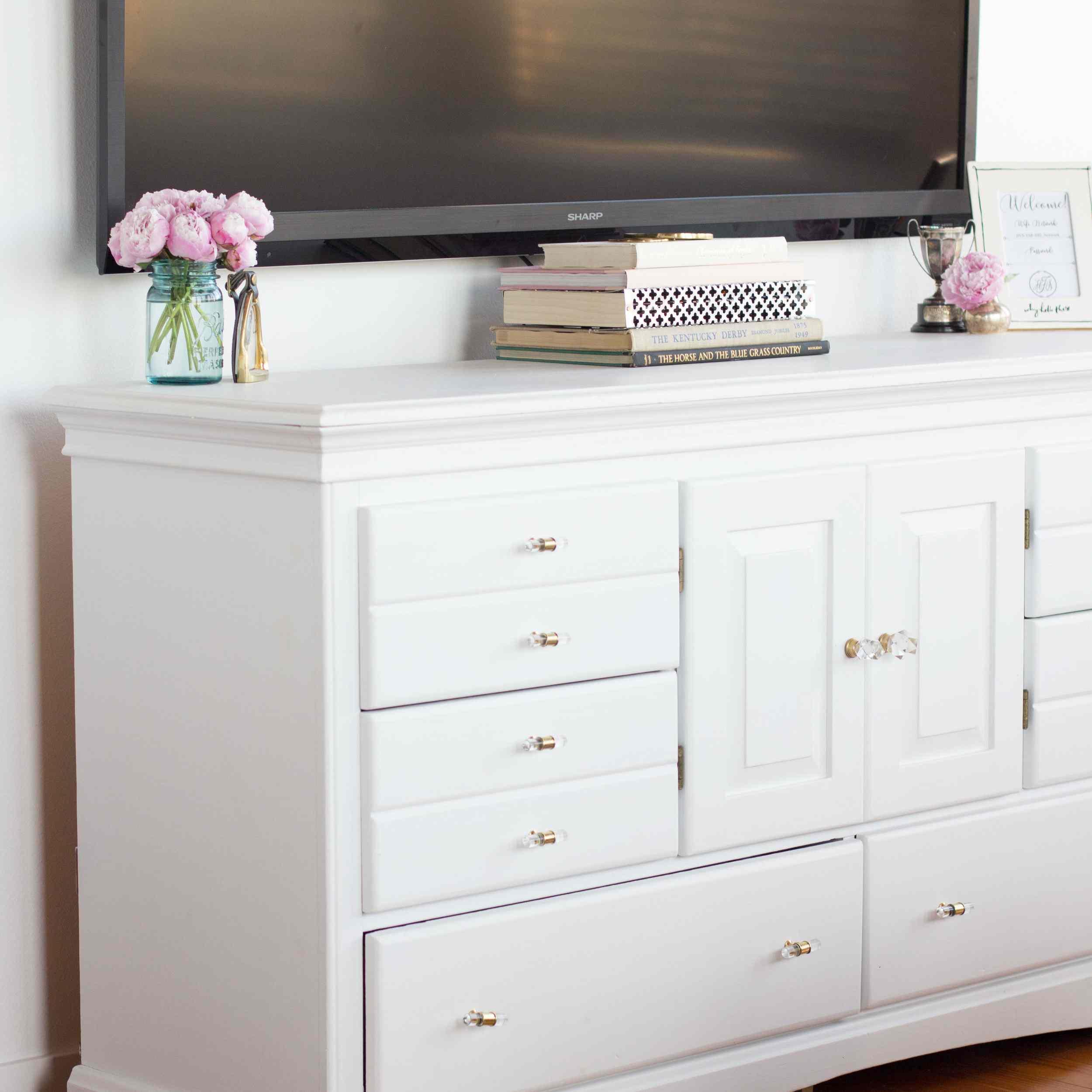 tv cabinet hiding cords