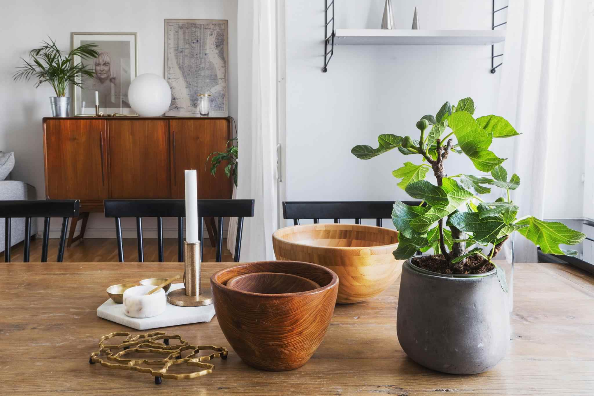 15 Ways To Mix Different Wood Shades In Your Decor