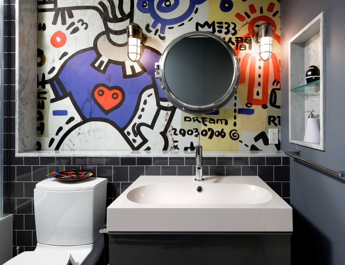 baño con graffiti para adolescentes