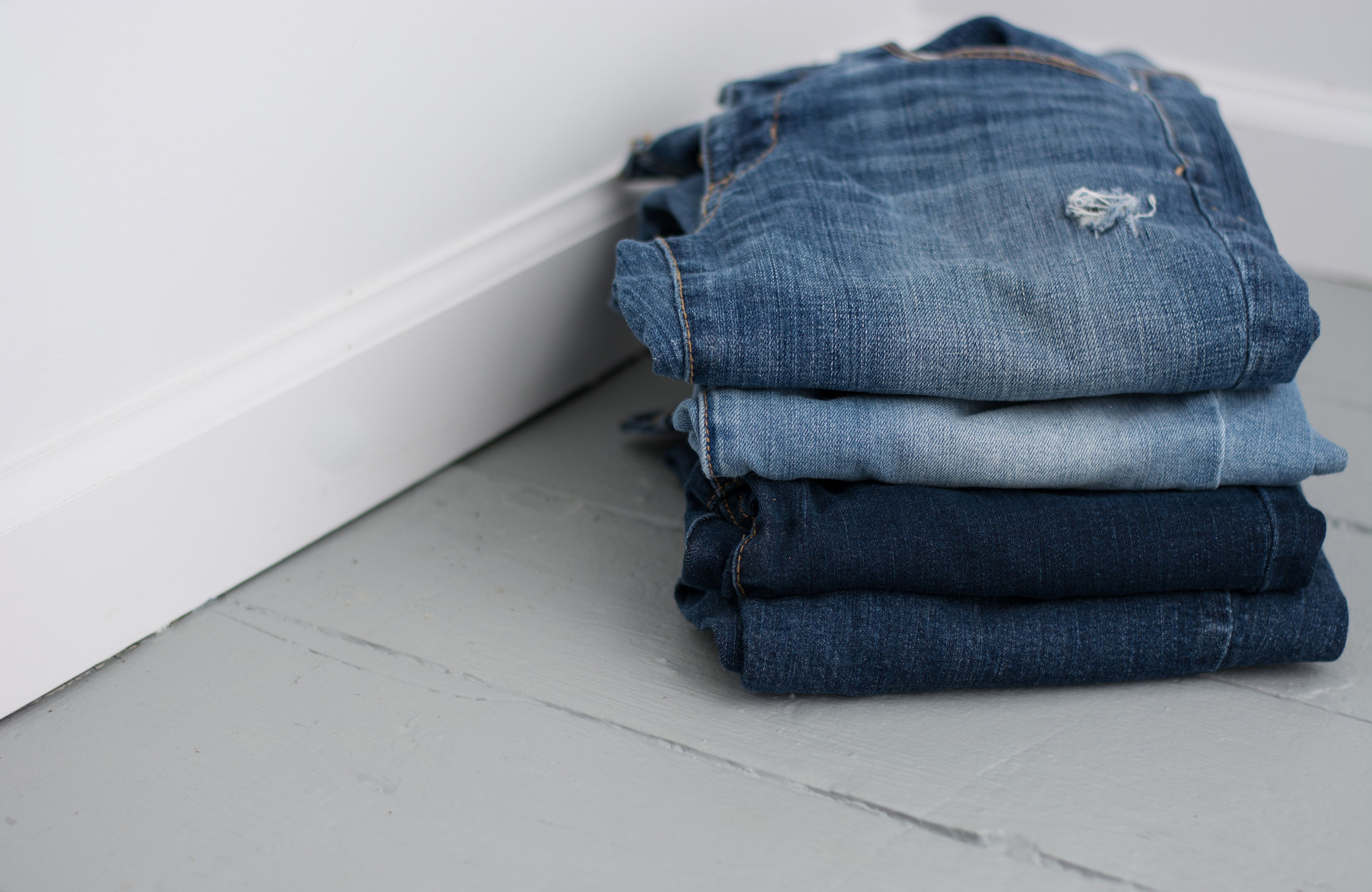 Store Jeans