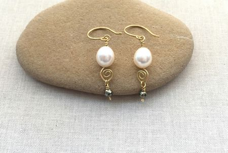 Pearl Beads On Handmade Spiral Headpins