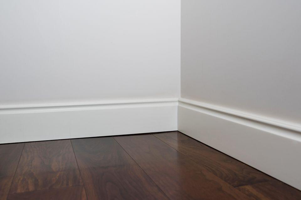 Baseboard Inner Corner