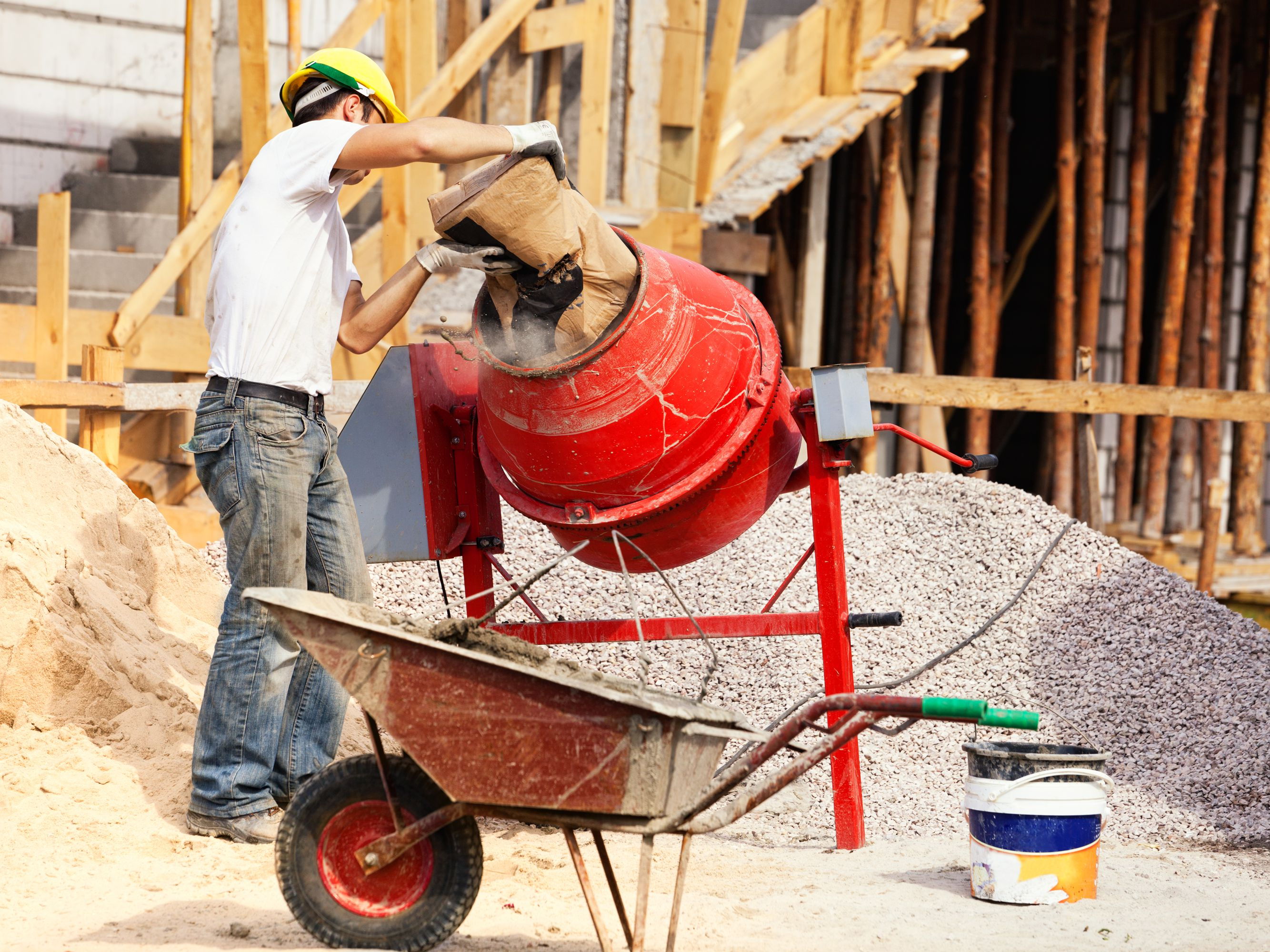 The Differences Between Cement, Concrete, and Mortar