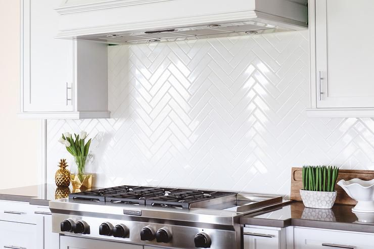 14 Kitchens With Herringbone Tile Backsplashes