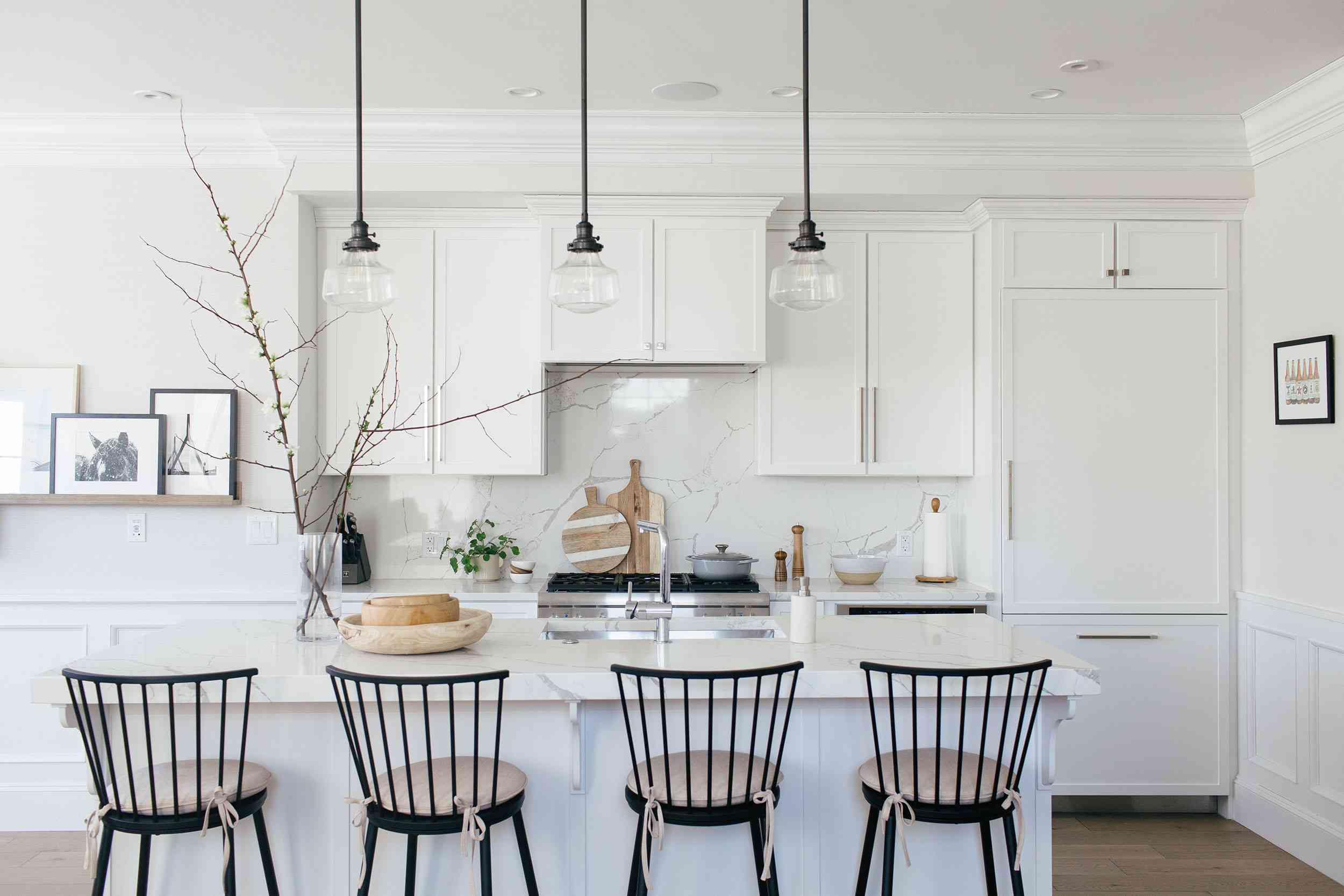 simple white kitchen with triangle rule