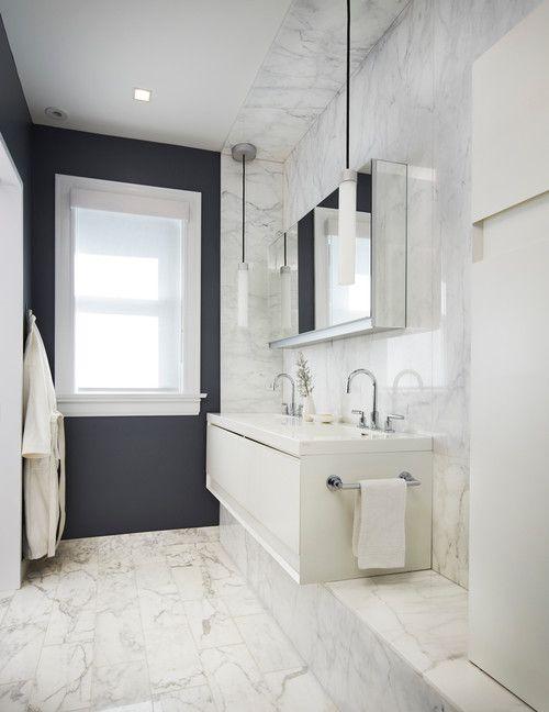 baño de mármol blanco