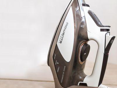 Rowenta DW5080 Focus Steam Iron