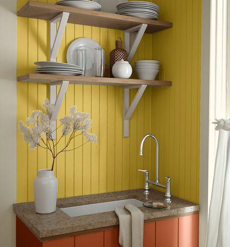 Pared de cocina amarilla