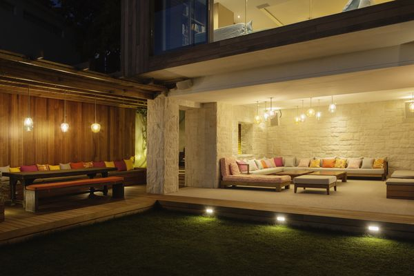 outdoor lighting at house