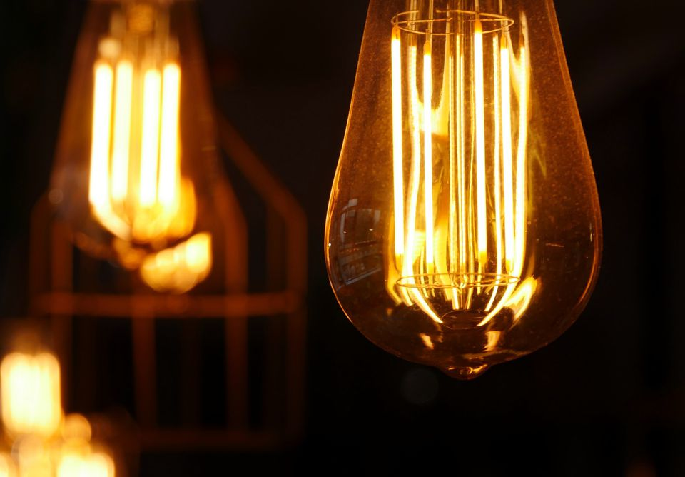 Vintage-inspired Edison bulbs in design