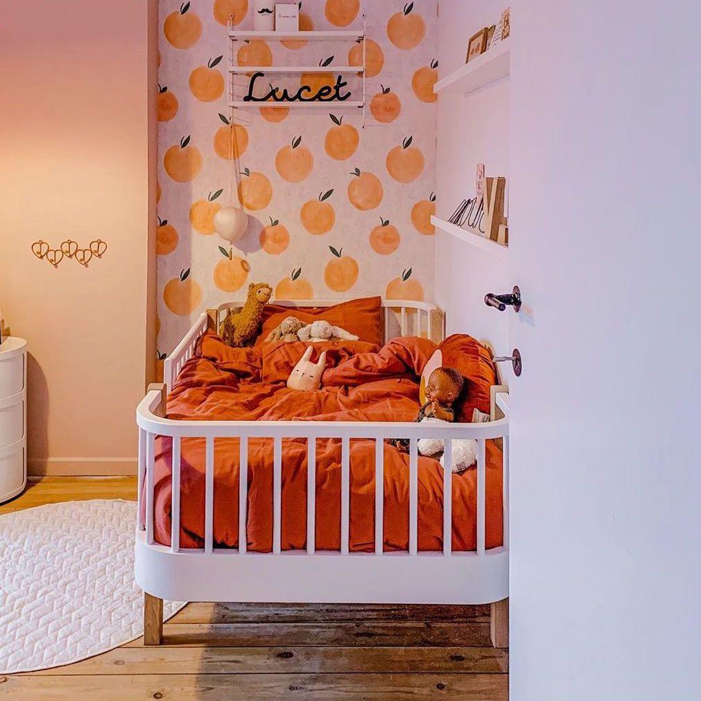 Bedroom decorated in orange