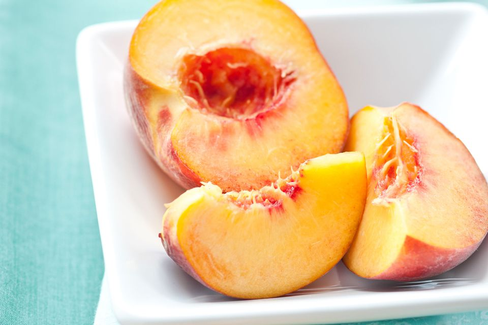 Sliced, juicy peaches.
