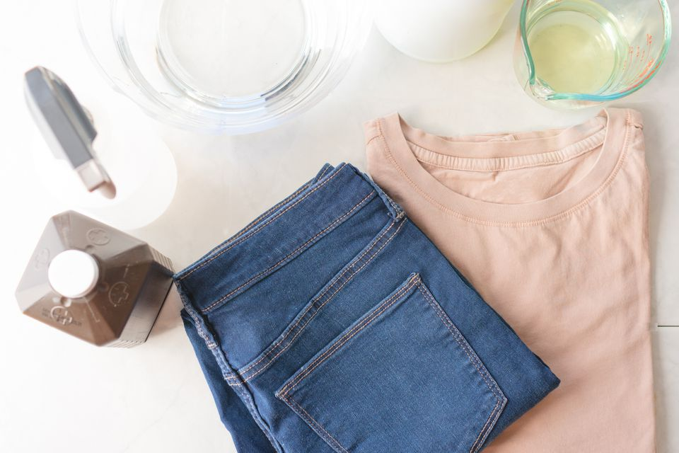 materials for bleaching clothing white