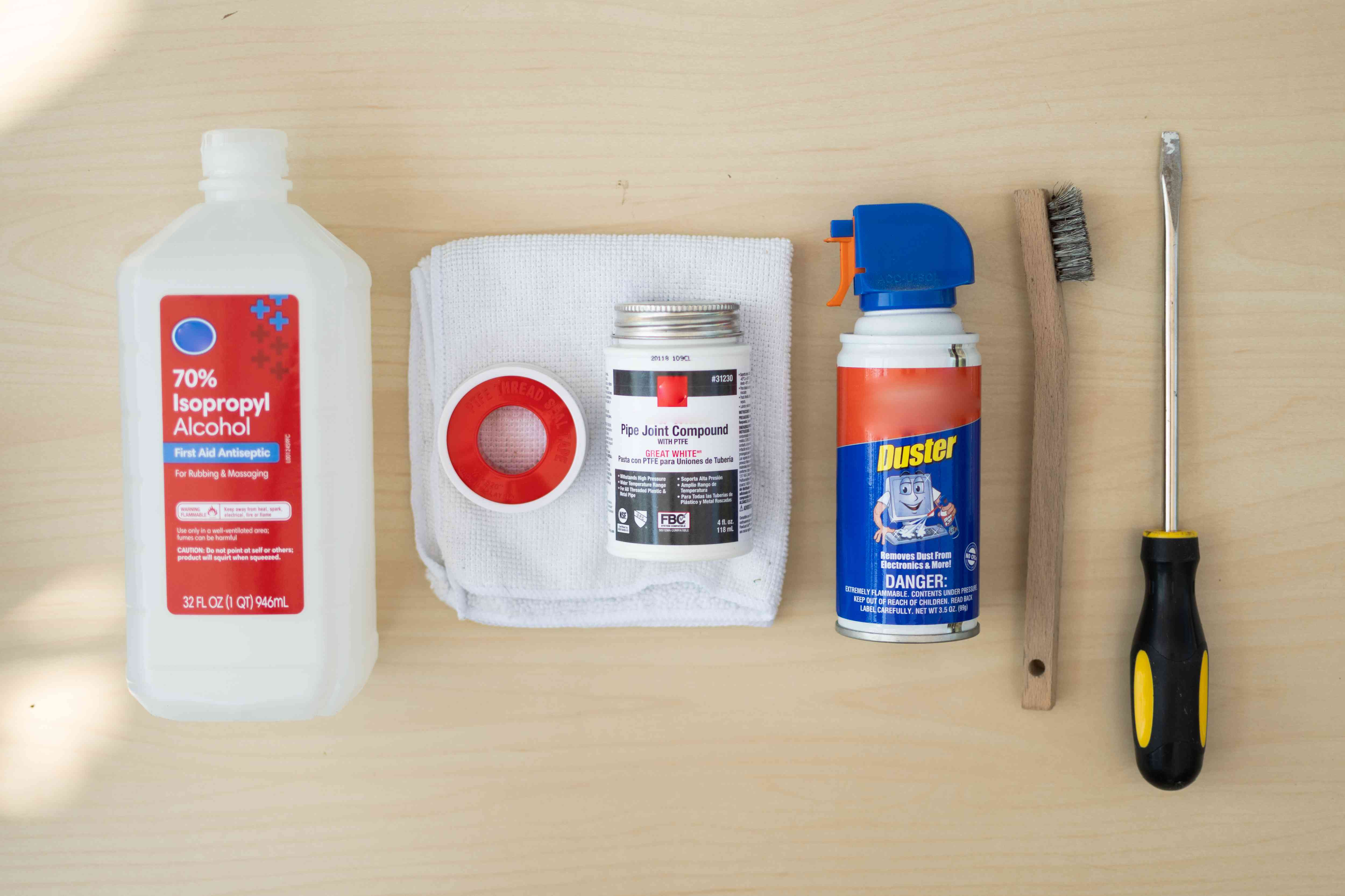 Materials and tools to use pipe dope on plumbing joints