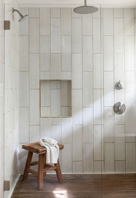 Azulejo de ducha efecto madera