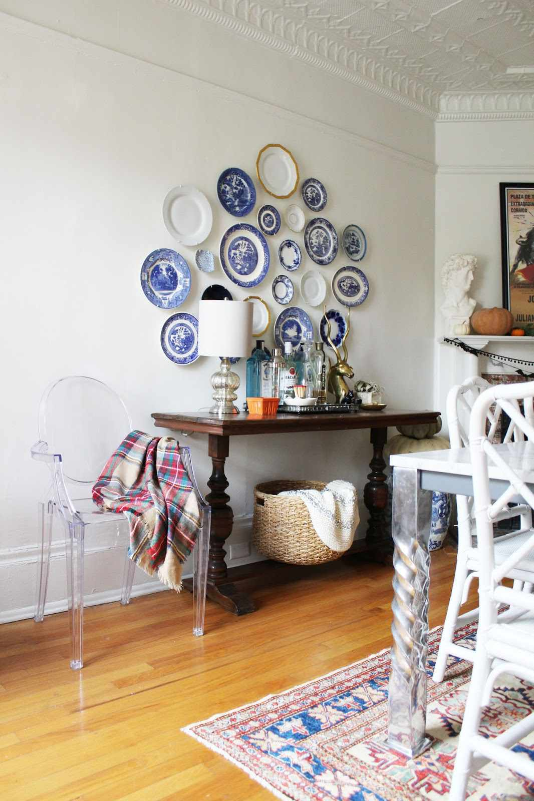 blue and white china on wall