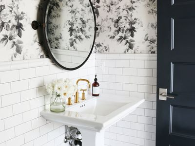 15 Stunning Tile Ideas For Small Bathrooms