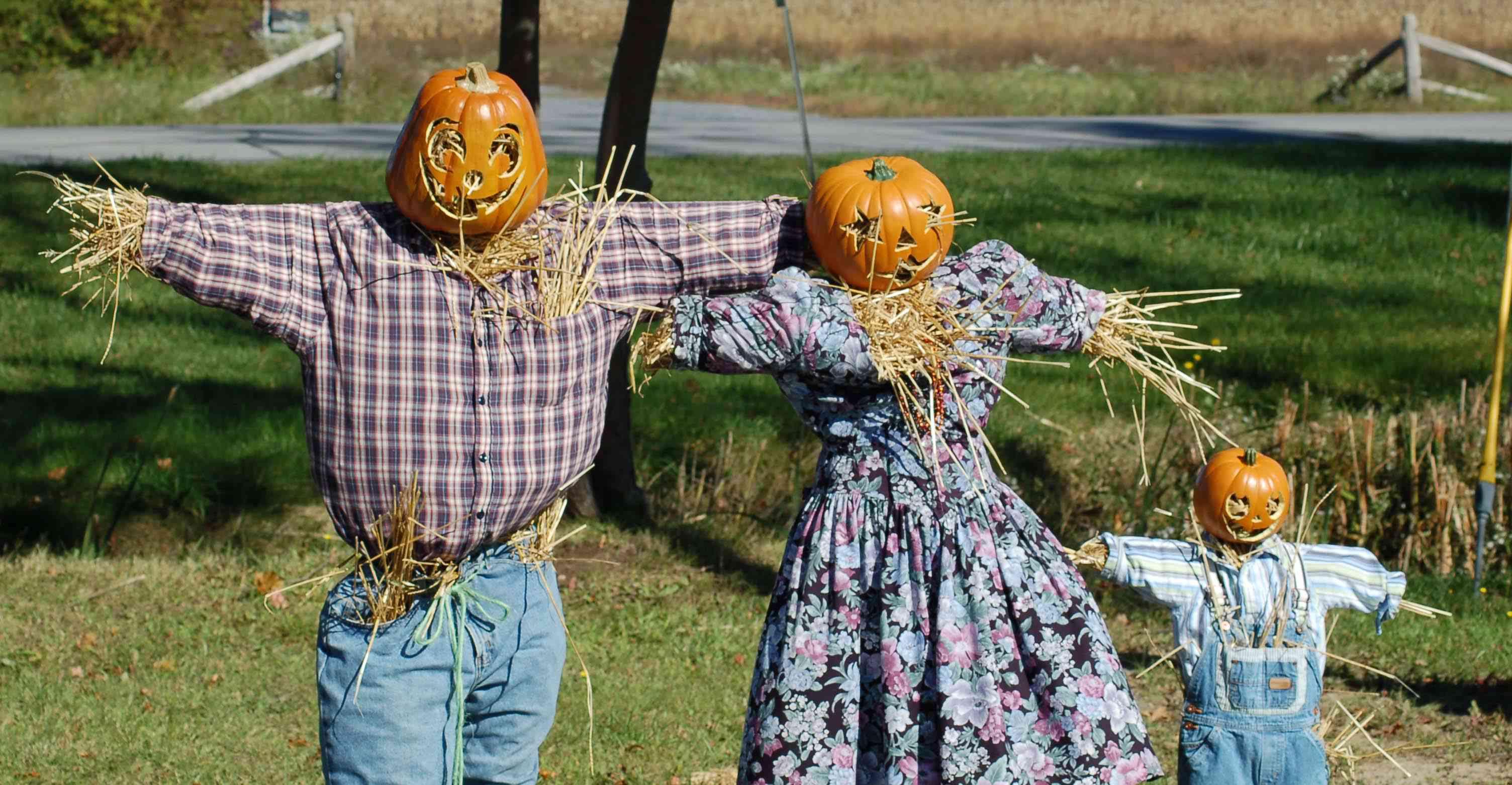Scarecrow family of three