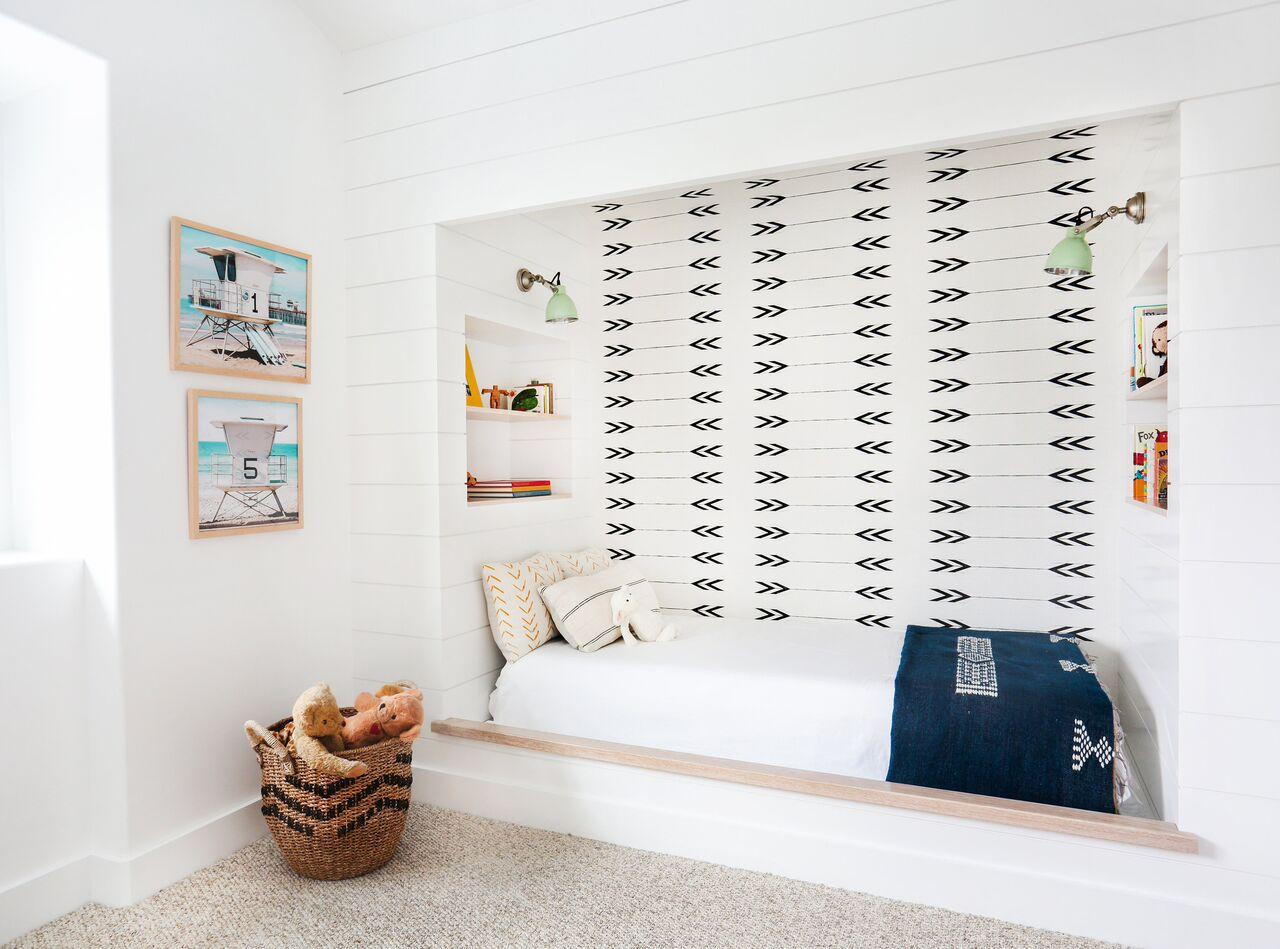 wallpaper nook in bedroom