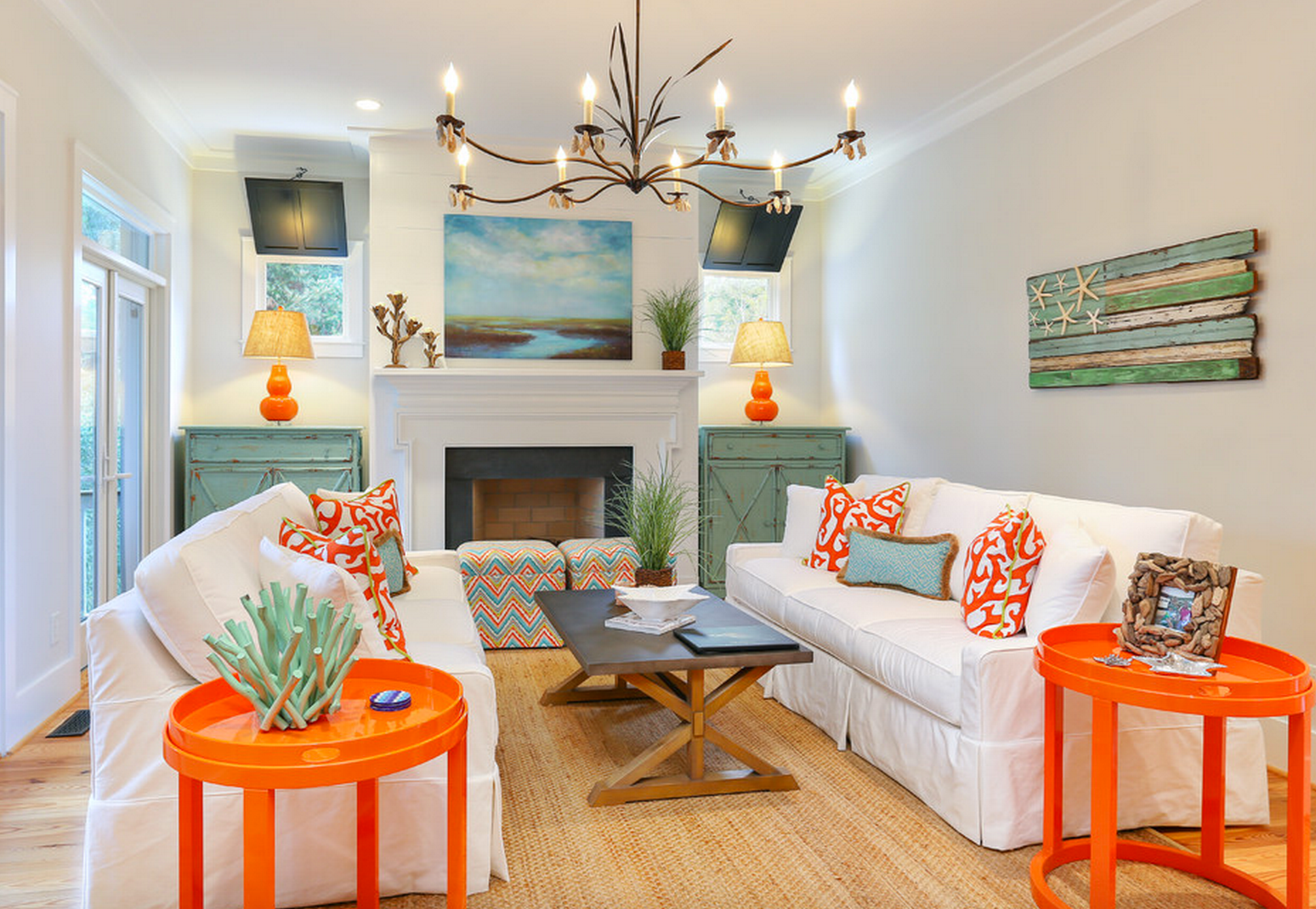 10 Beautiful Beach House Living Rooms