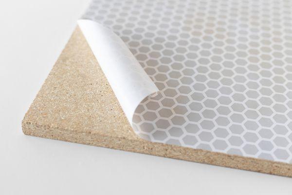 removing shelf liner