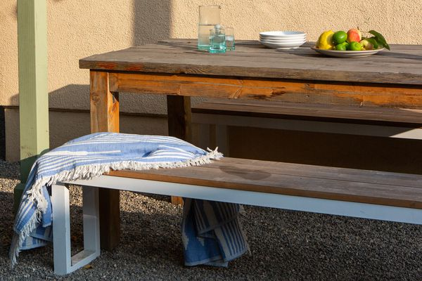 stain on teak furniture