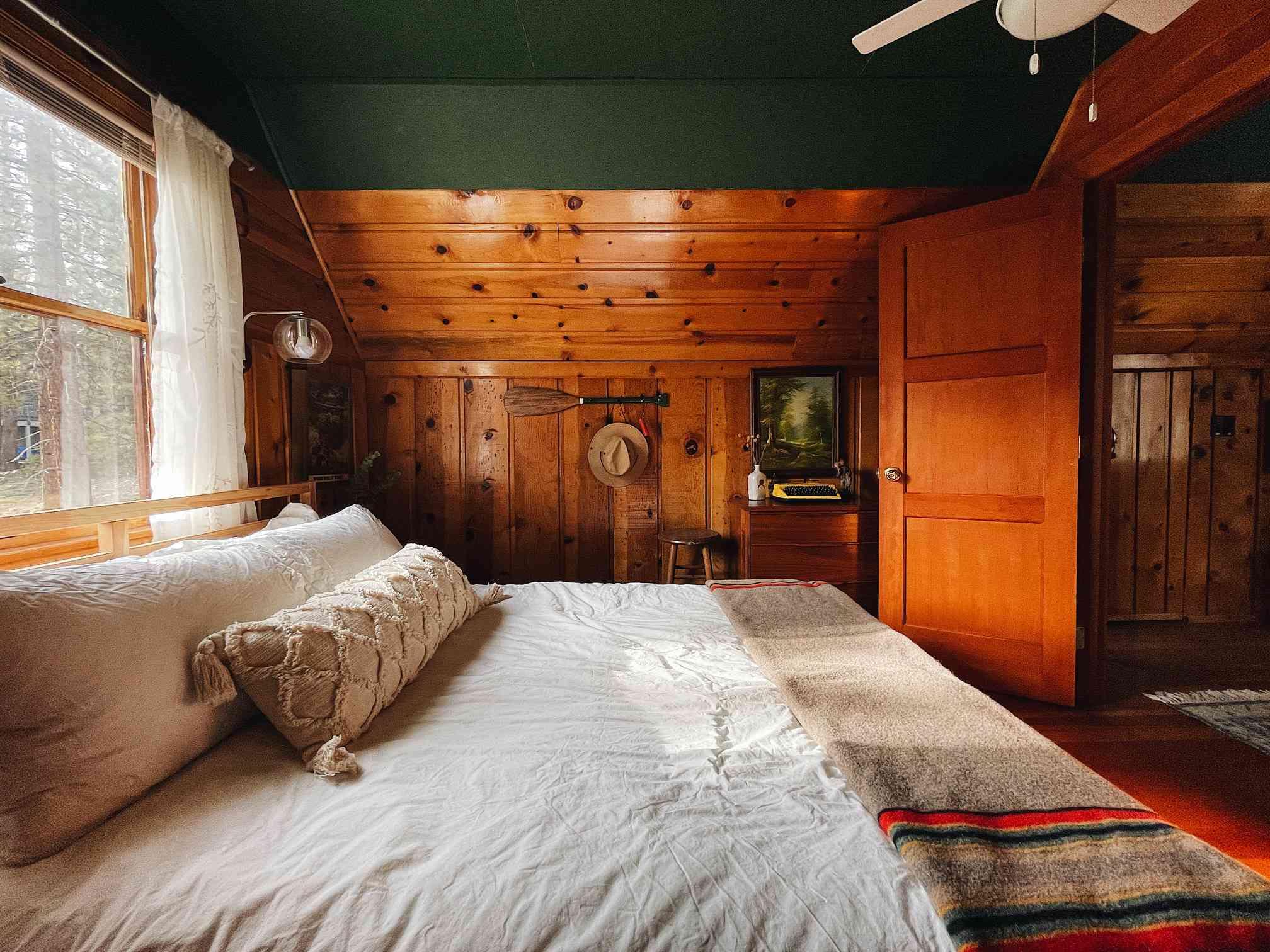 Keara Sexton cabin decor