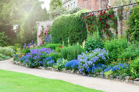 13 Flower Border Ideas
