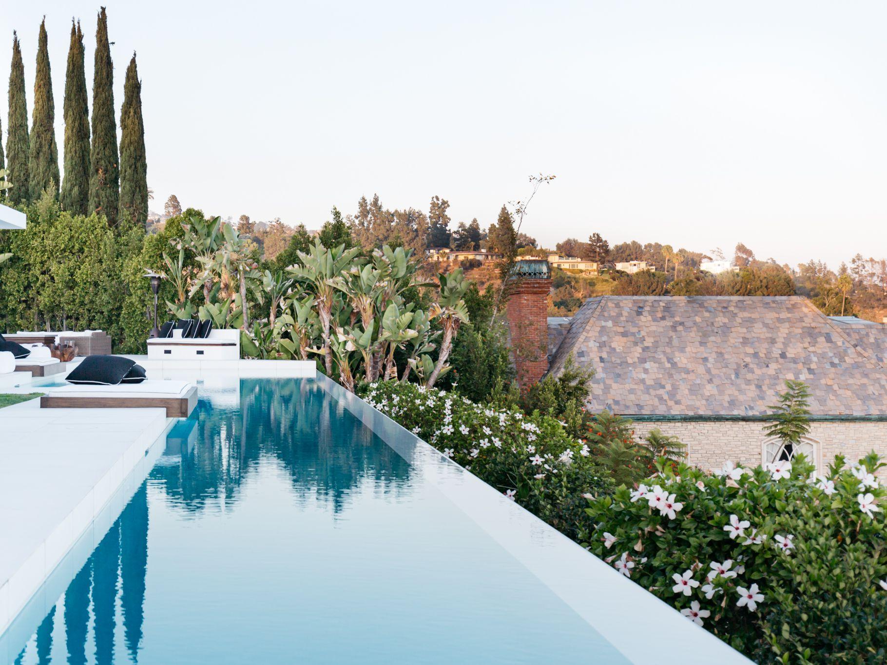 20 Beautiful Swimming Pool Designs