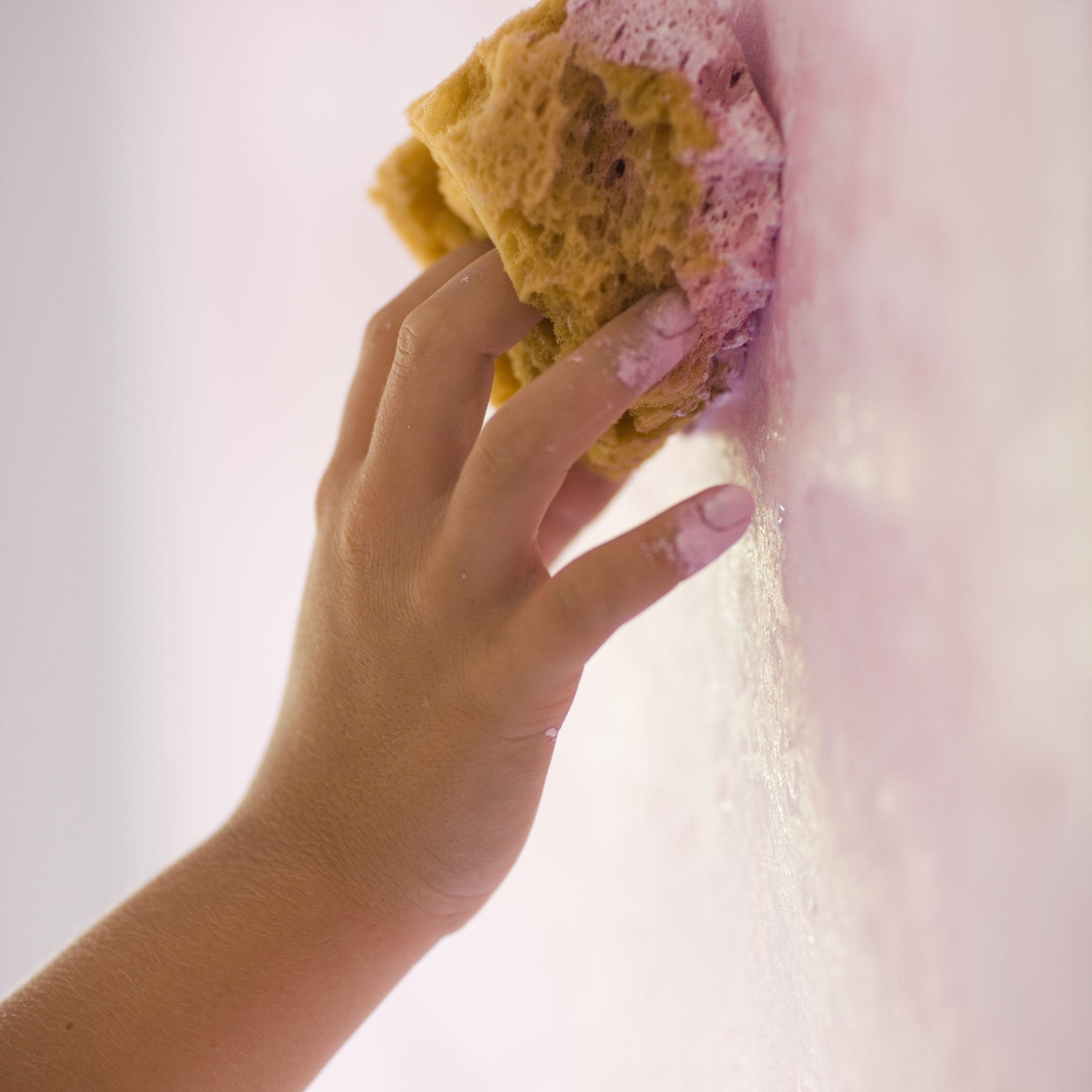How To Sponge Paint A Room