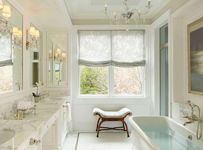 baño de lujo con vista