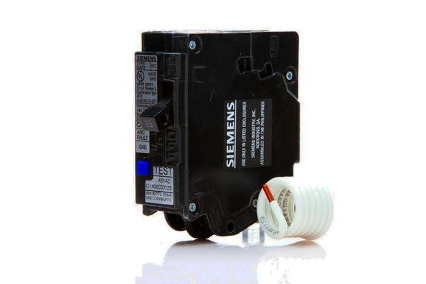 Combination AFCI/GFCI circuit breaker
