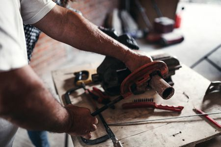 How to Choose the Right Pipe Cutters