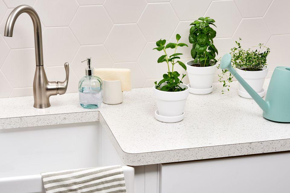Kitchen laminate countertop