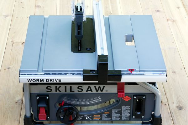 SKILSAW SPT70WT 10-Inch Portable Worm Drive Table Saw
